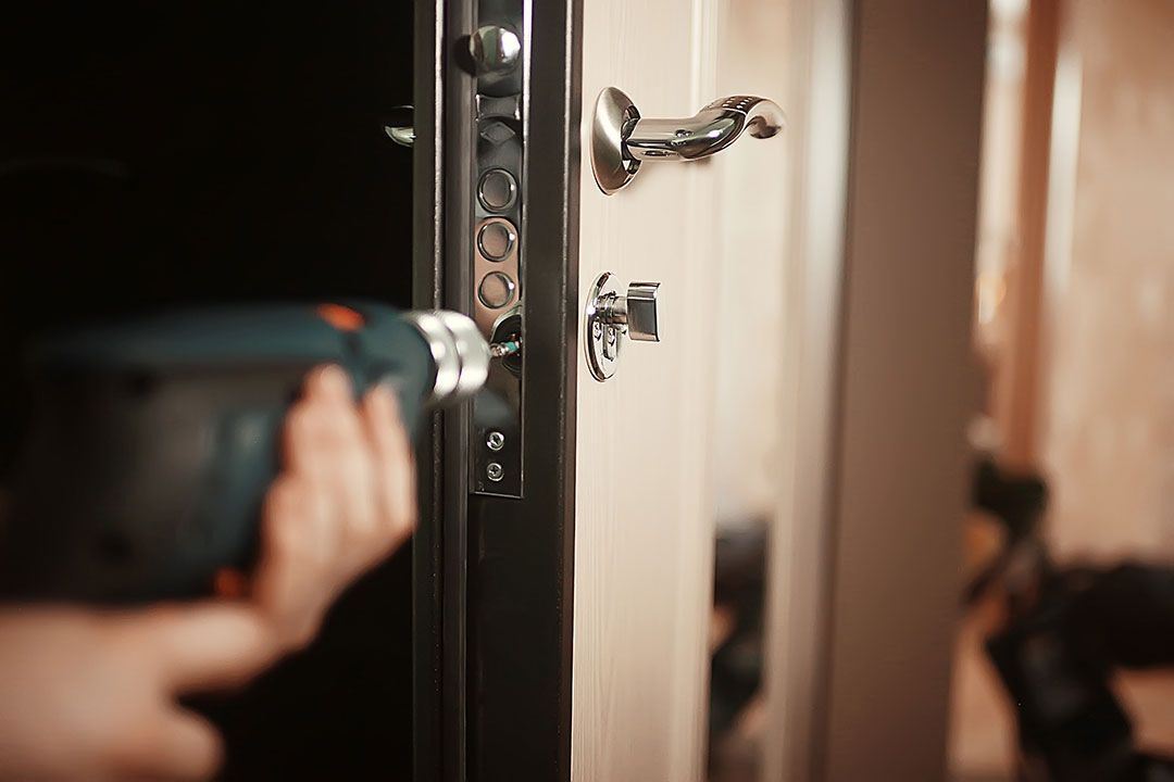 Necesito_un_cerrajero_barato_en_Zas_para_la_puerta_de_mi_casa_2